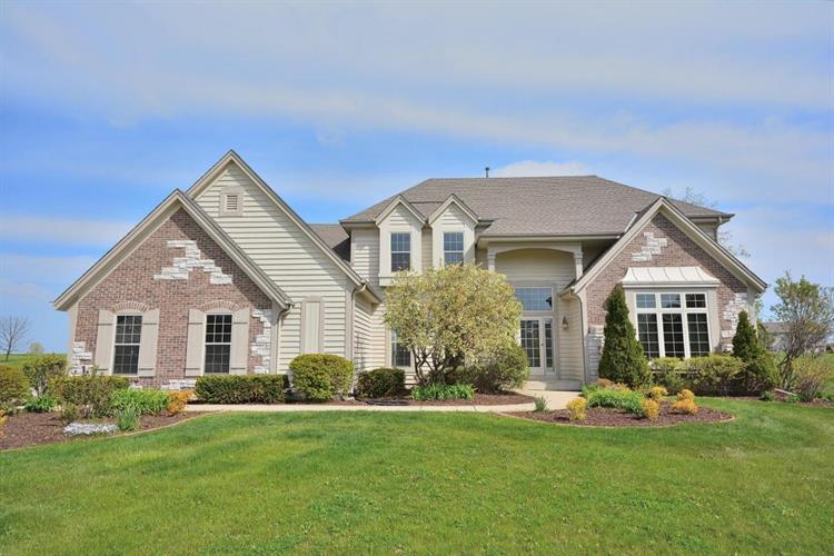4726 W Jenna Ct, Franklin, WI 53132