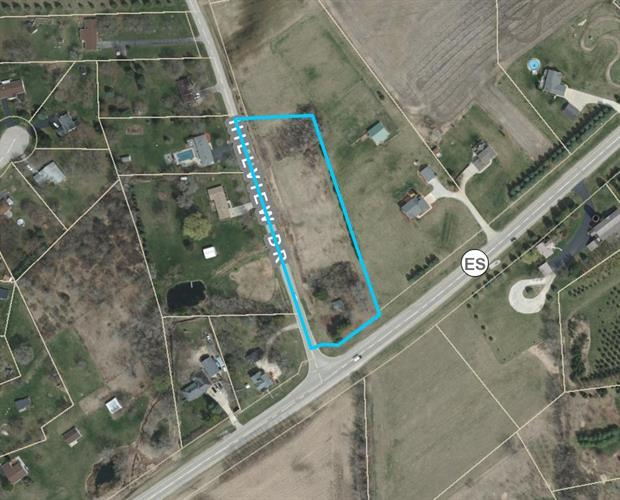 W272S8860 Hillview Dr, Mukwonago, WI 53149 - Image 1
