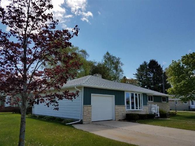 3519 Glenwood ST, Two Rivers, WI 54241
