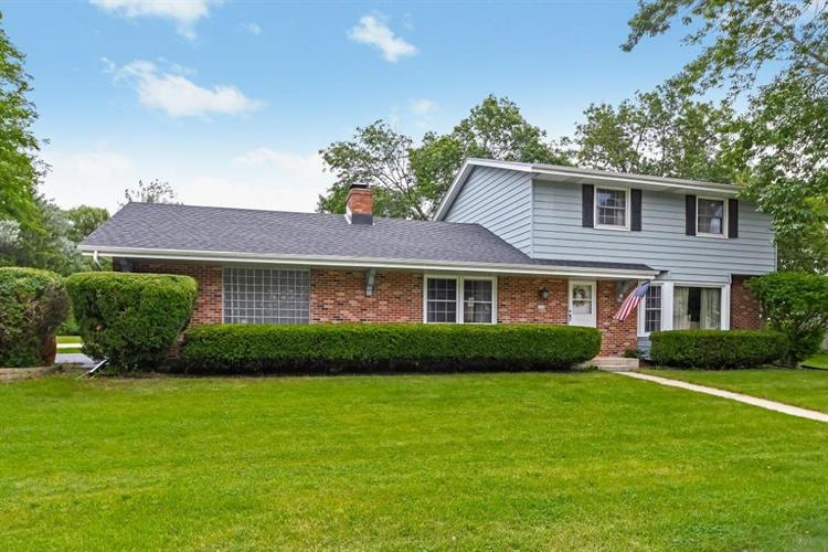 6230 N Sunny Point, Glendale, WI 53217