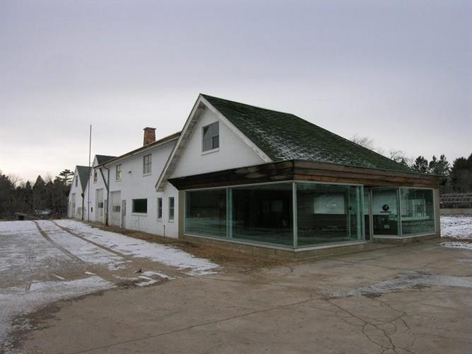 3000 Forest Ave, Two Rivers, WI 54241 - Image 1