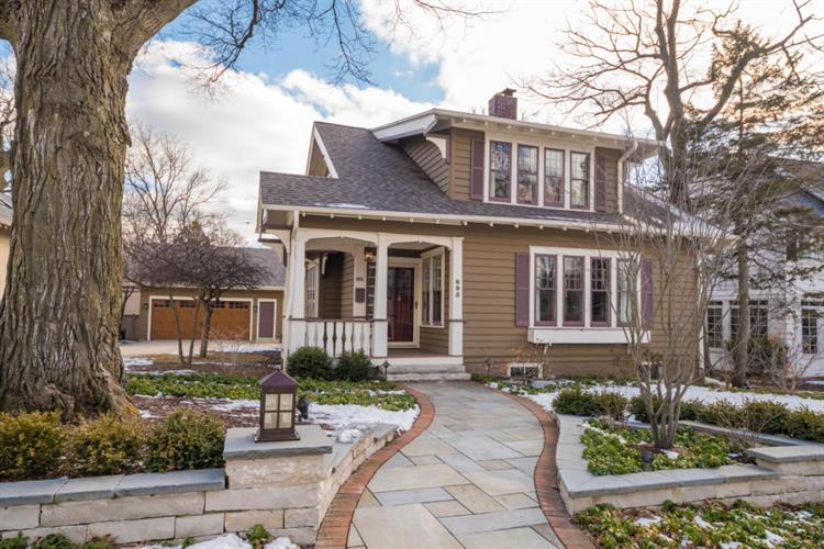 895 E Birch Ave, Whitefish Bay, WI 53217