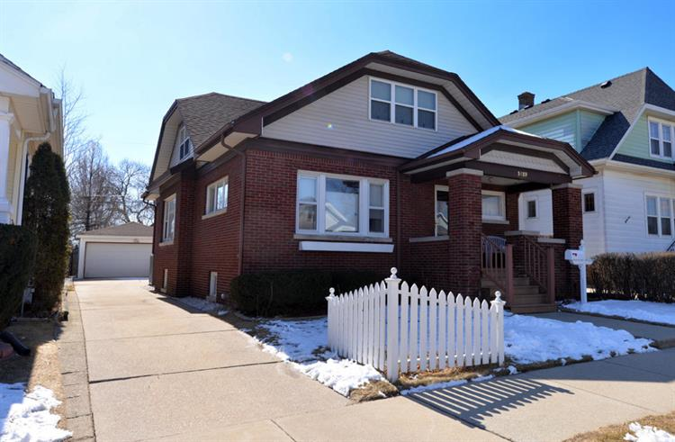1419 William St, Racine, WI 53402