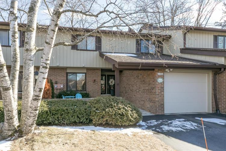 12814 N Colony Dr, Mequon, WI 53097