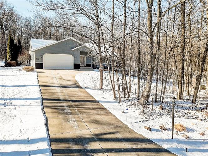 8281 S 20TH ST, Oak Creek, WI 53154