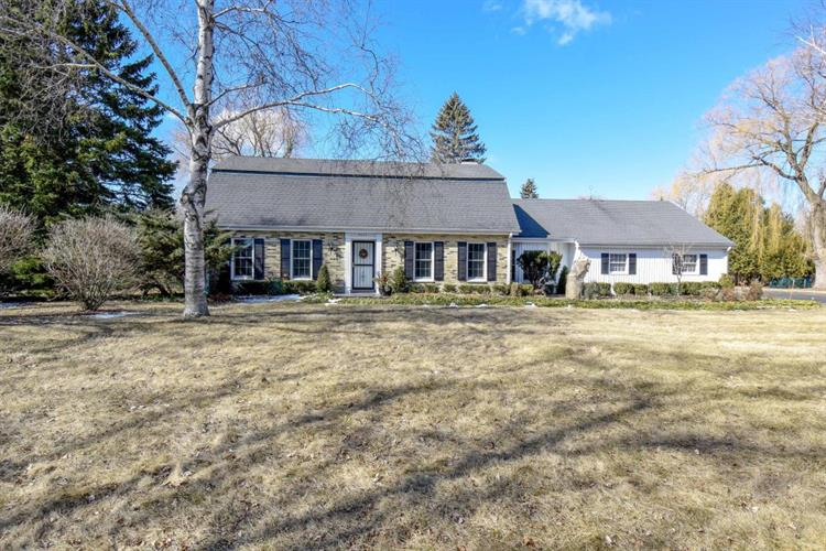 9035 N Spruce Rd, River Hills, WI 53217