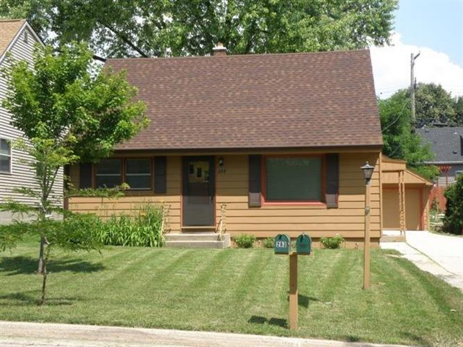 264 N 110th PL, Wauwatosa, WI 53226