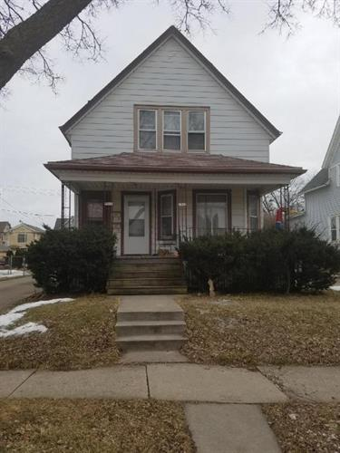 1940 S 57th St, West Allis, WI 53219