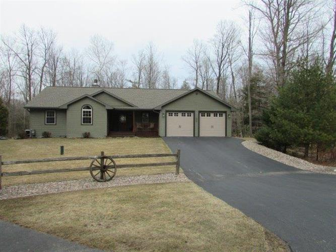 13911 Circle Dr, Mishicot, WI 54228