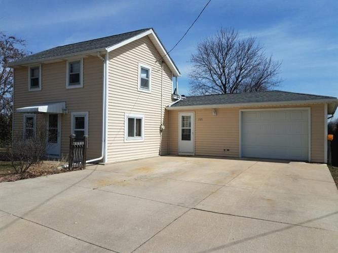 1521 Center St, Watertown, WI 53098