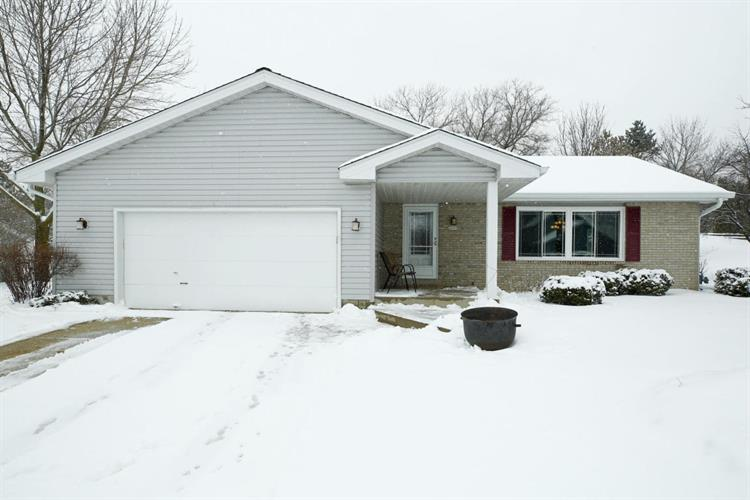 3835 S Pohl DR, New Berlin, WI 53151