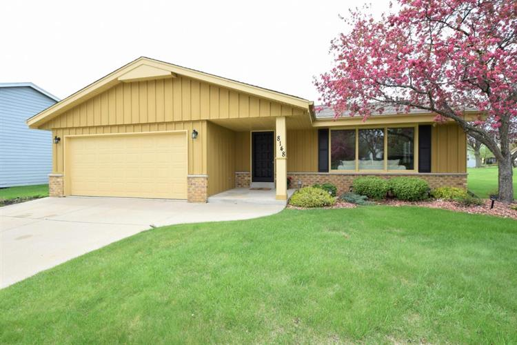 8148 W Imperial Dr, Franklin, WI 53132