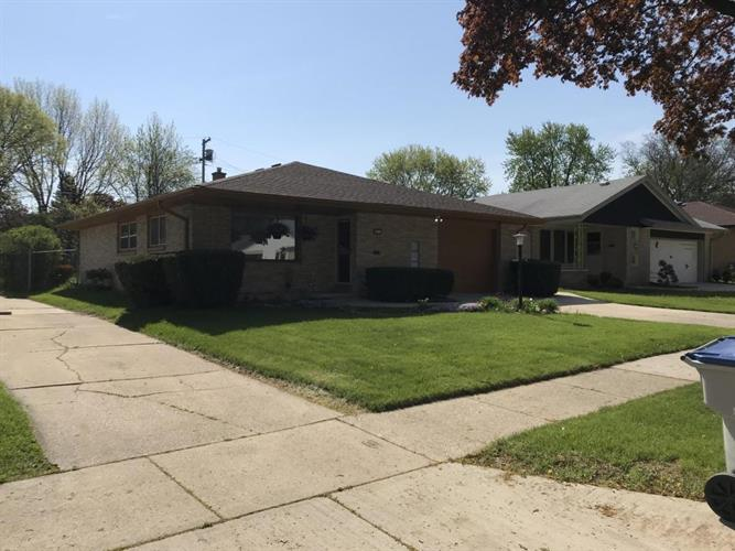 4816 S 23rd St, Milwaukee, WI 53221