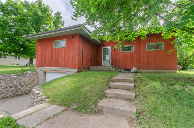 601 Highland Ave, Watertown, WI 53098