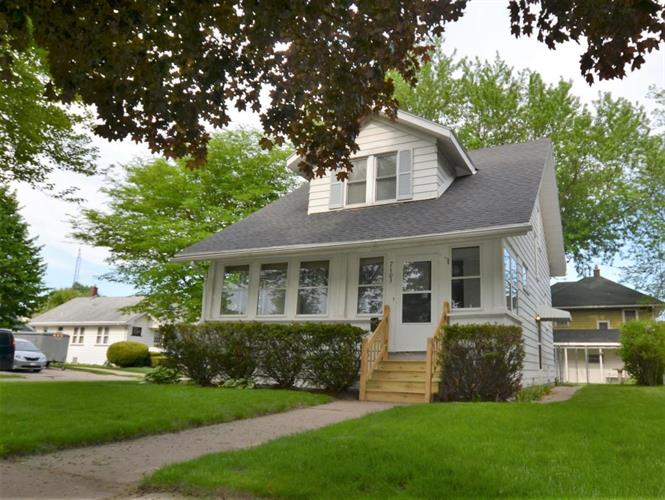 7103 16th Ave, Kenosha, WI 53143