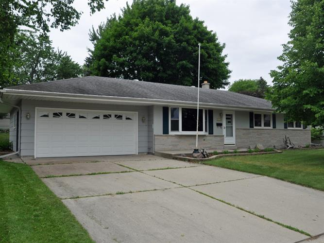 819 E Kilbourn Ave, West Bend, WI 53095