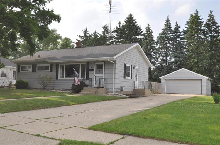 340 Garfield ST, Burlington, WI 53105