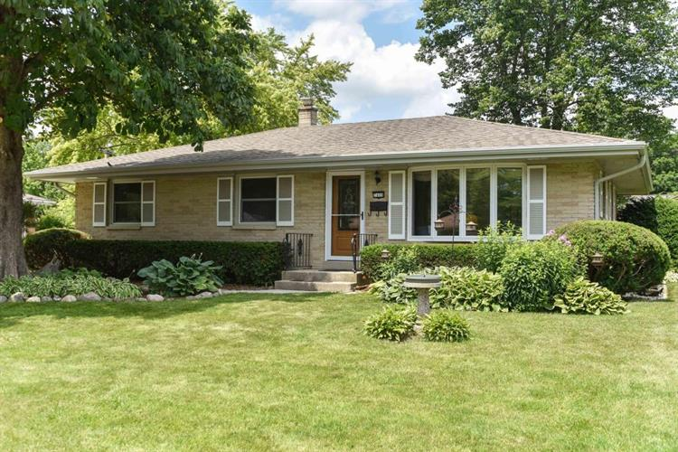 7408 Devonshire Ave, Greendale, WI 53129