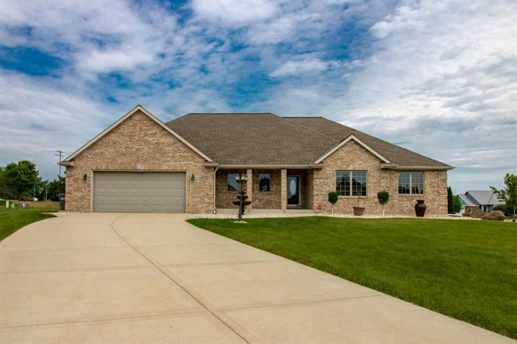 S95W12516 Weatherwood Ct, Muskego, WI 53150