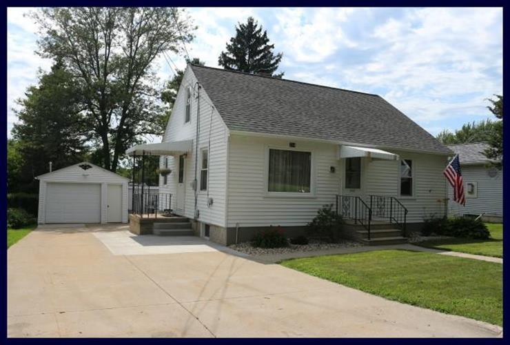 214 Fairview St, Watertown, WI 53094