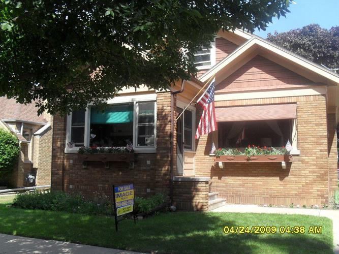 1531 West Lawn Ave, Racine, WI 53405