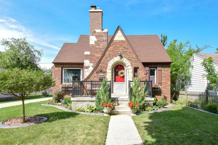 3309 S Dayfield Ave, Milwaukee, WI 53207