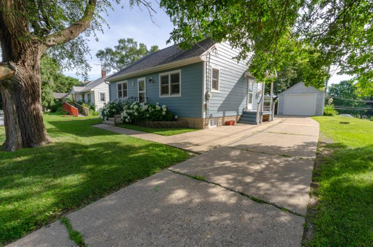 331 S Concord Ave, Watertown, WI 53094