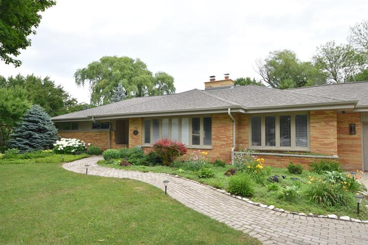 230 W Suburban Ct, Fox Point, WI 53217 - Image 1