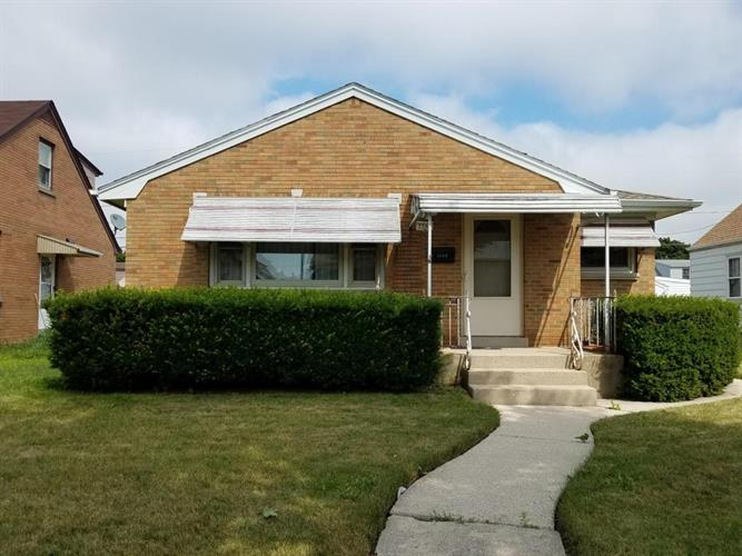 3562 S 17th St, Milwaukee, WI 53221 - Image 1