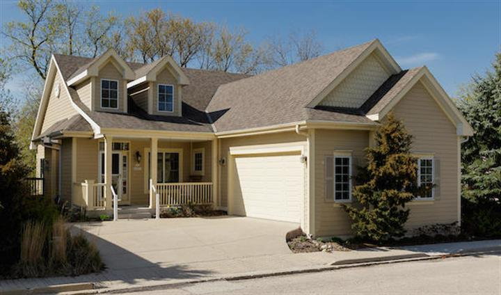 N63W23817 Terrace DR, Sussex, WI 53089 - Image 1
