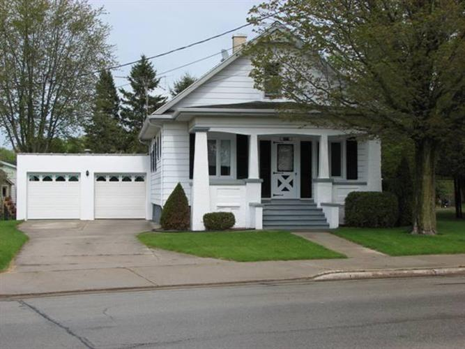 2717 Forest Ave, Two Rivers, WI 54241