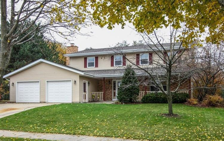 1040 Cottonwood Ct, West Bend, WI 53095 - Image 1