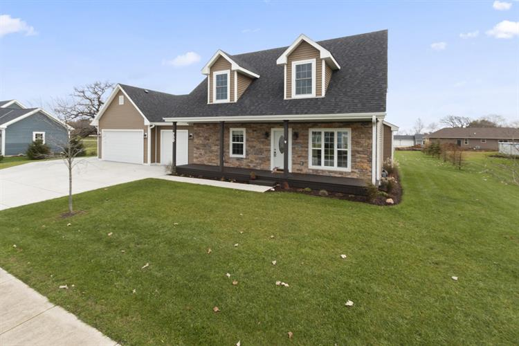 730 Meadow Ct, Twin Lakes, WI 53181