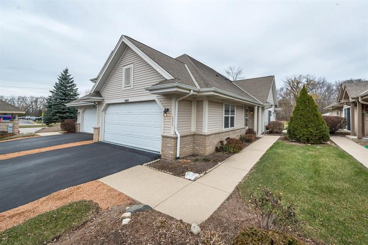 4808 S Waterview Ct, Greenfield, WI 53220 - Image 1