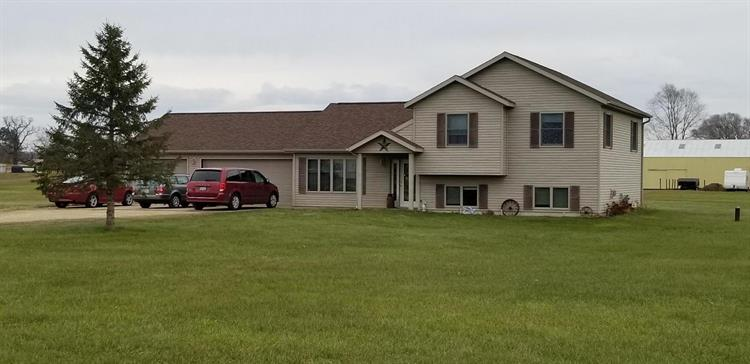 15068 Gale Rd, Sparta, WI 54656 - Image 1