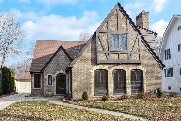 4750 N Newhall St, Whitefish Bay, WI 53211 - Image 1