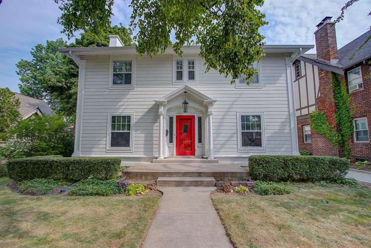 2424 E Beverly Rd, Shorewood, WI 53211 - Image 1