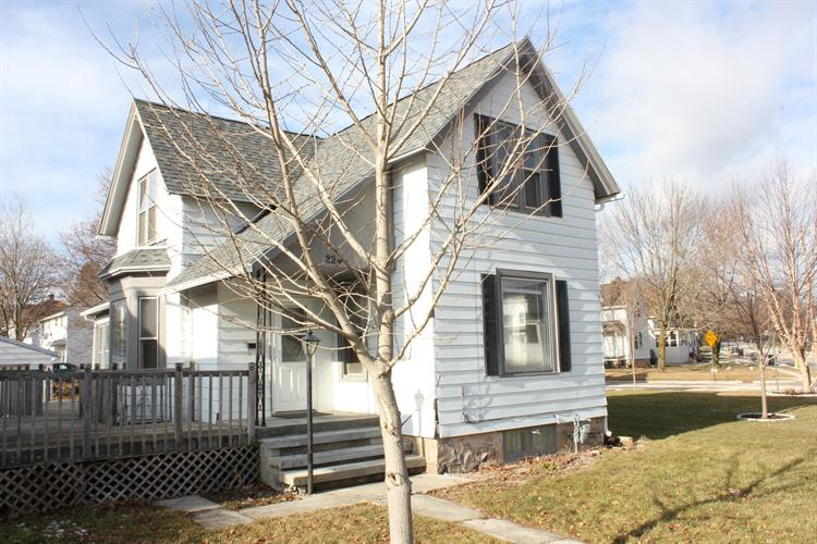 224 North St, Plymouth, WI 53073 - Image 1