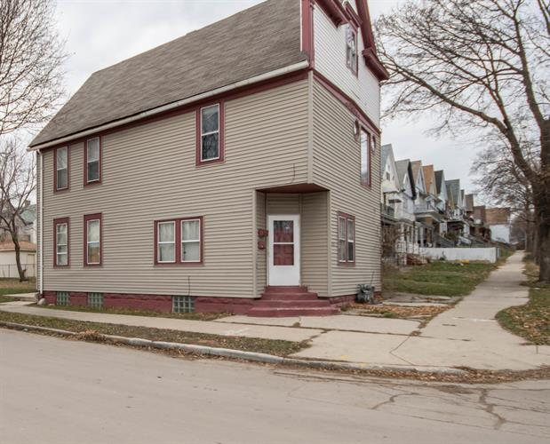 2567 S 15th St, Milwaukee, WI 53215 - Image 1