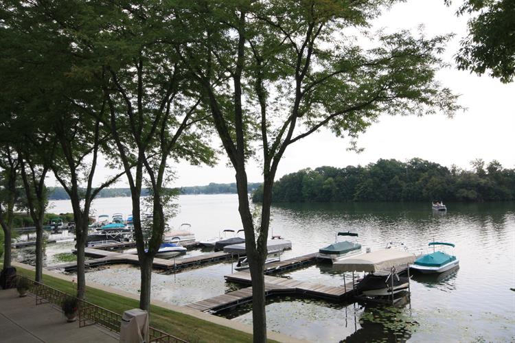 3405 S Browns Lake Dr, Burlington, WI 53105 - Image 1
