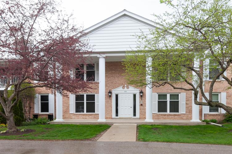 933 Heritage Ct, Mequon, WI 53092 - Image 1