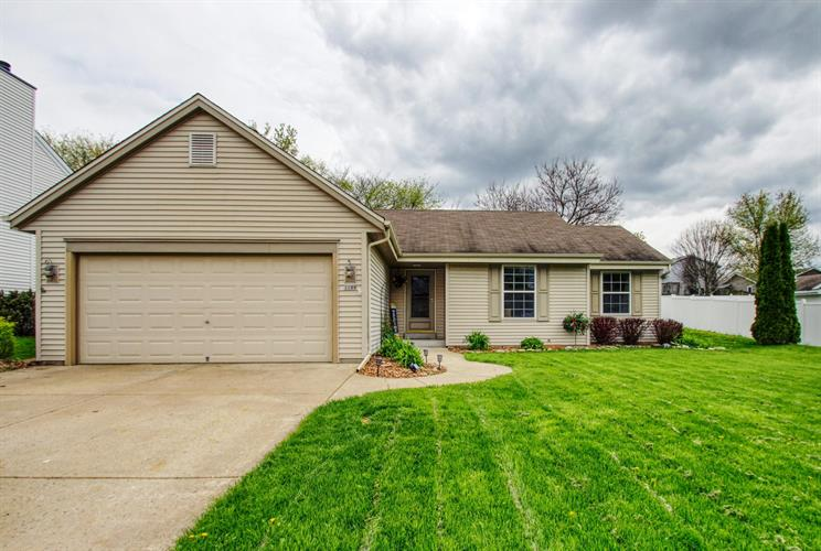1109 Crestview Dr, Watertown, WI 53094 - Image 1