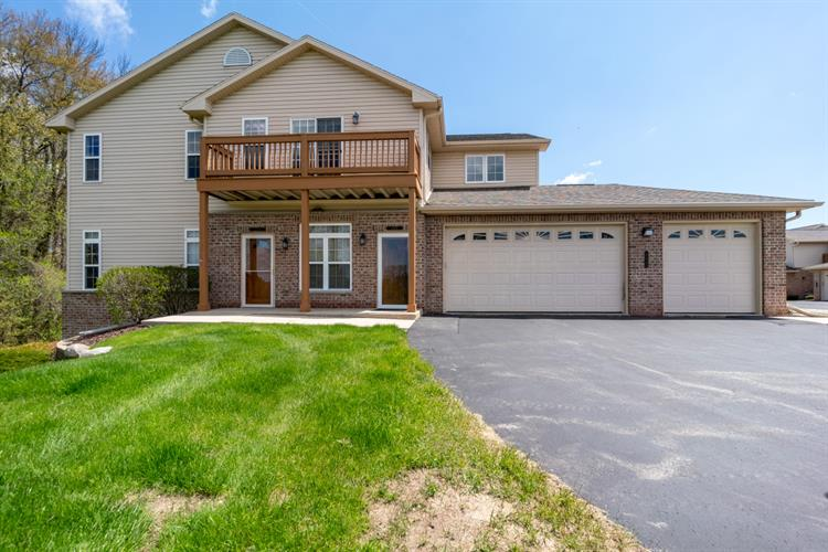 17948 W Jacobs Ridge Ct, New Berlin, WI 53146 - Image 1