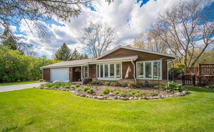 3290 Outpost Ln, Richfield, WI 53076 - Image 1
