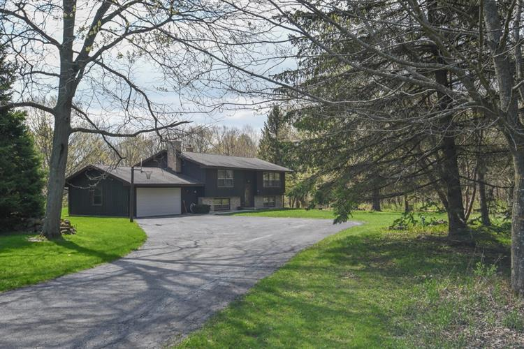 W1747 Pond Rd, Rubicon, WI 53078 - Image 1