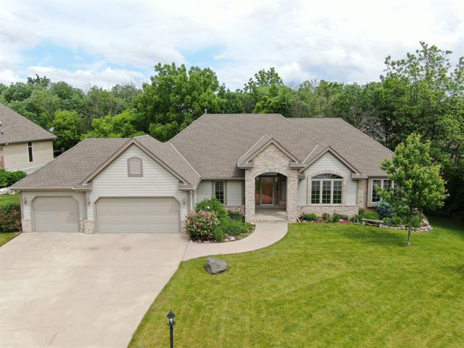 3495 S Highpointe Dr, New Berlin, WI 53151 - Image 1