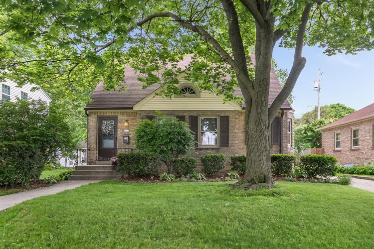 2654 N 66th St, Wauwatosa, WI 53213 - Image 1