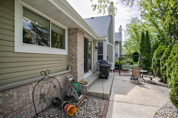 14291 W Waterford Square Dr, New Berlin, WI 53151 - Image 1