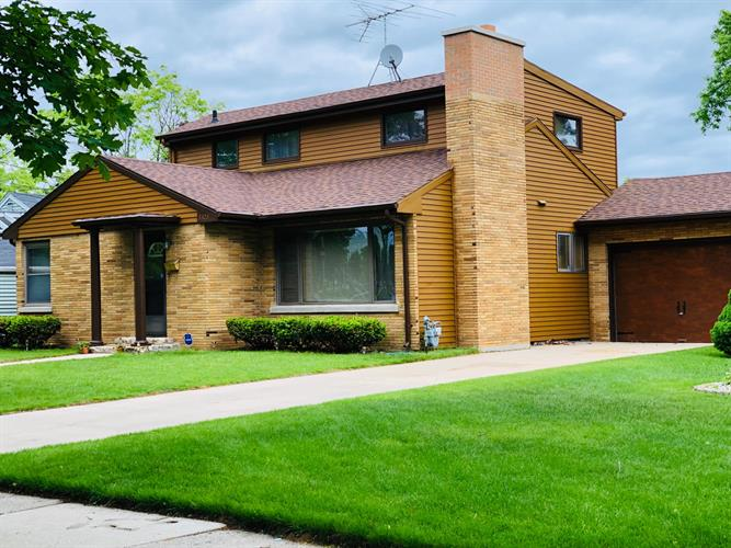 3323 Monroe St, Two Rivers, WI 54241 - Image 1