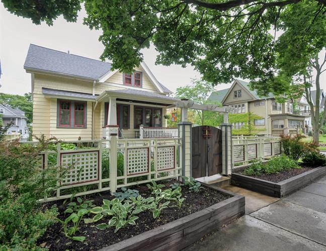 2202 N 52nd St, Milwaukee, WI 53208 - Image 1